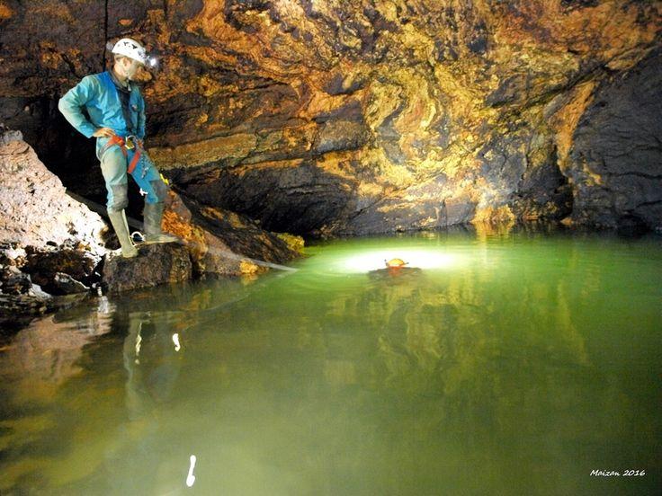 Sesana, la scoperta della maxi grotta: «Sul fondo il Timavo»
