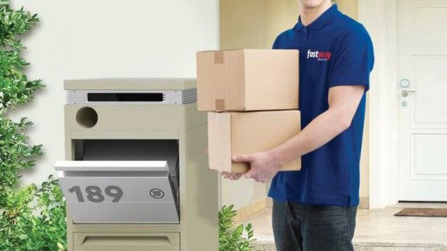 Do you have an online shop-a-holic living in your home? Satisfy their addiction with this parcel-safe letterbox. The Pakman Parcel Delivery Box allows for the delivery of packages up to the size of a standard A3 box without having to obtain a signature.  Find out more: www.propertyrepublic.com.au #PropertyRepublic #Christmasgiftideas #bestpresents #Pakman