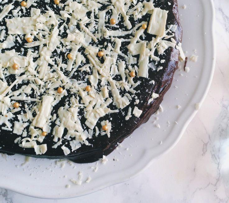 Verdens lækreste chokoladekage   I'm Salli