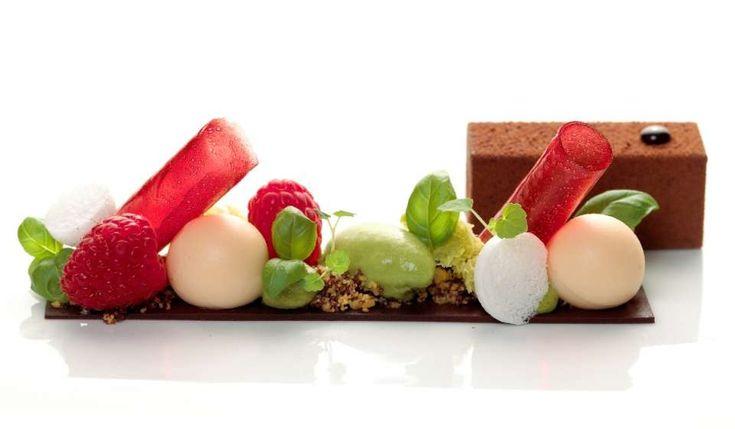 chocolate s'mores Garaham craker crumble under and then differents shapes of marshmallows, choc cremeux, choco sponge, foam, tuile  90plus.com - The World's Best Restaurants: Het Gebaar Lunch-Lounge - Antwerpen - Belgium
