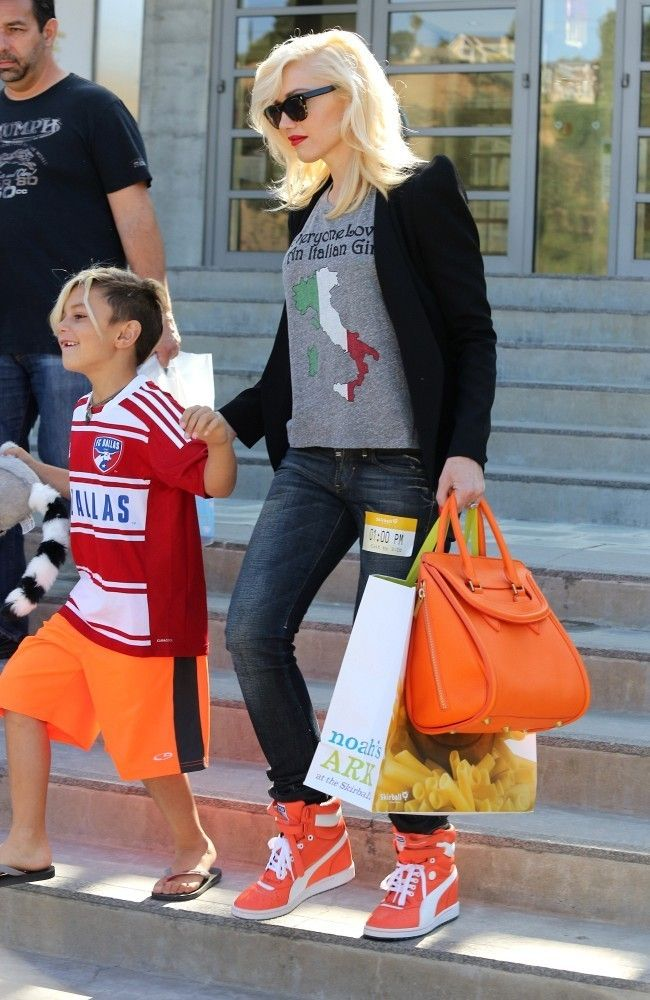 Gwen Stefani style - Gwen Stefani Hangs Out with Her Kids