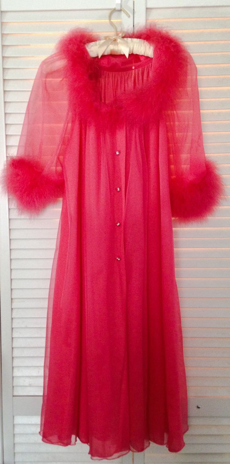 Vintage Hot Pink Marabou Peignoir Robe Virginia Wallace