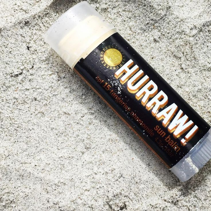 For those days when your lips need a little extra protection. Hurraw Sun Balm SPF 15 is packed full of cold pressed oils like Red Raspberry Seed Oil, Sea Buckthorn Oil and Pomegranate Seed Oil that nourish and protect the sensitive skin on your lips. Infused with Juicy Tangerine and hints of Vanilla with a touch of Chamomile to calm your senses.
