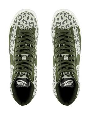 LOVE NIKE: Leopardo Blazer de Nike                                                                                                                                                                                 Más