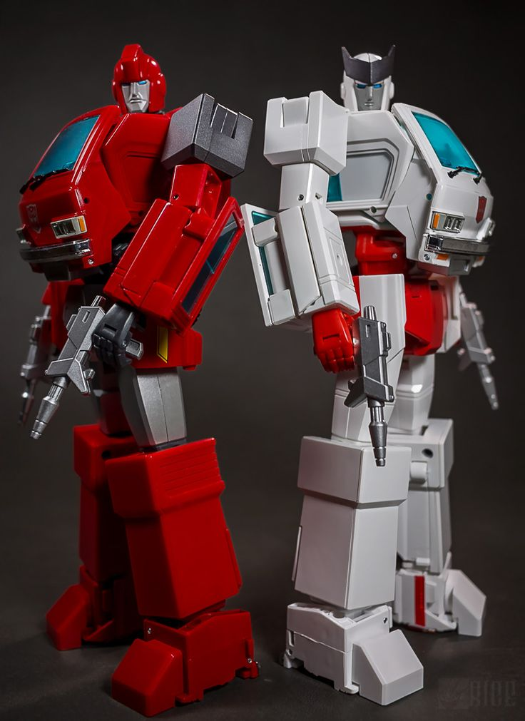 Transformers Masterpiece MP-27 Ironhide and MP-30 Ratchet