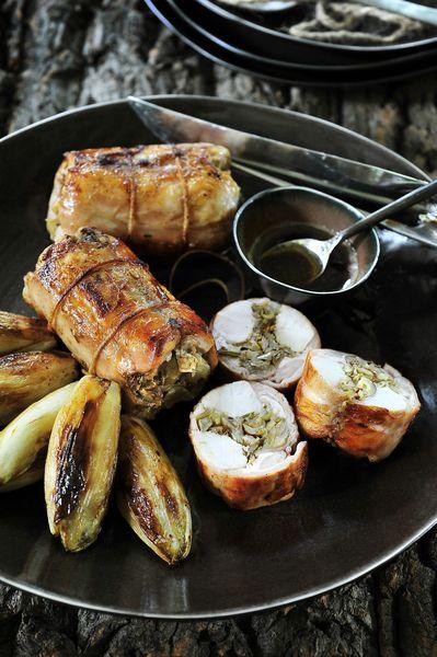 Een overheerlijke gevulde konijnenrug met hazelnoten en witloof, die maak je met dit recept. Smakelijk!