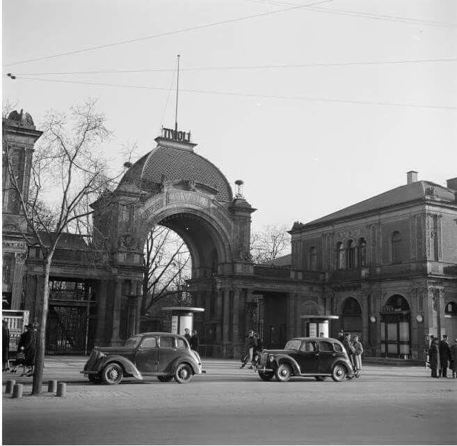 Tivolis hovedindgang 1954