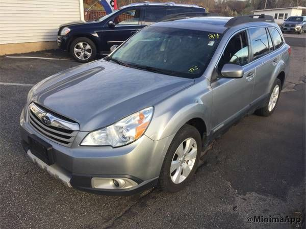 2011 Subaru outback Limited (columbia, CT) $4500: leather interior, moon-roof, ac, heat, radio, Cd-player, 215k miles, runs and drives…