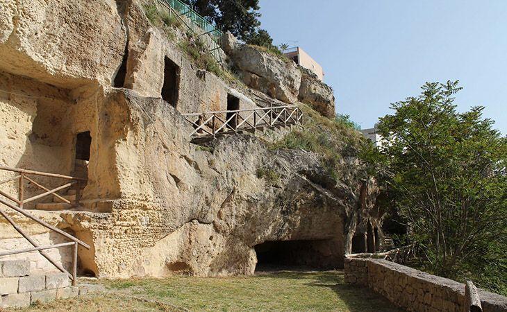 Da Massafra a Castellaneta: cosa visitare e dove mangiare