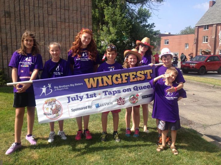 Little's before the WingFest Parade