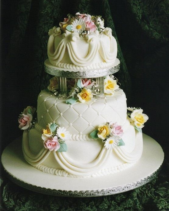 rich fruit wedding cake 9 best rich fruit cakes images on fruit cakes 19230