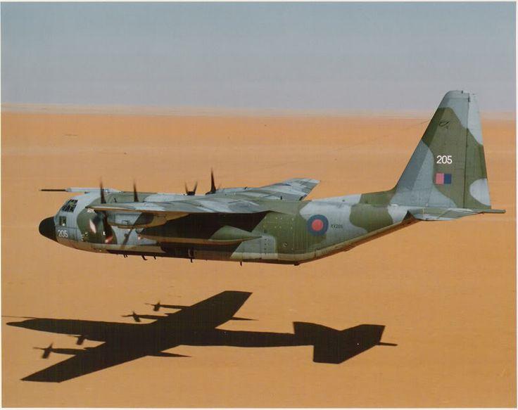 Hercules XV205 low flying across the desert January 1991