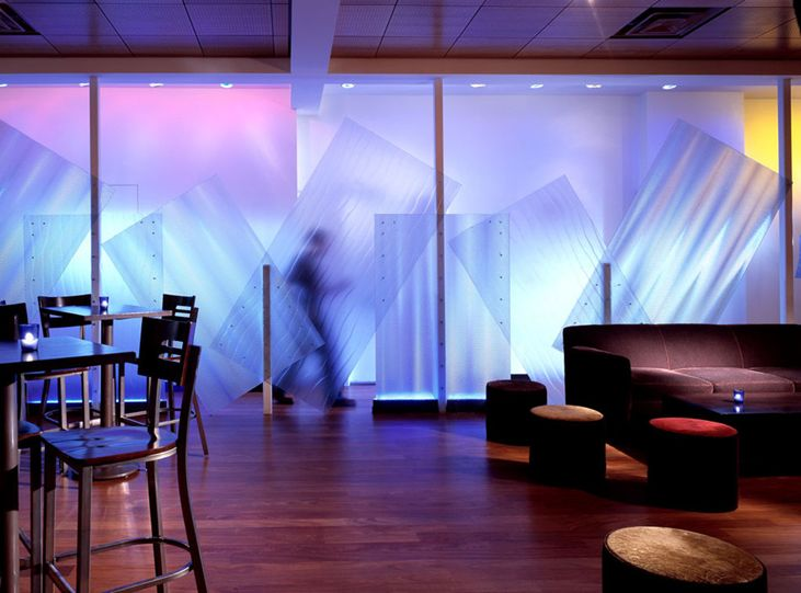 Paneles moldeables, en variados espesores  y formatos personalizados. Son para uso en espacios de interior.