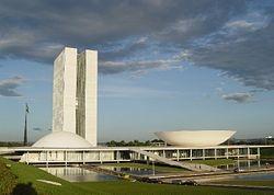 Oscar Niemeyer, Plaza de los tres poderes, Brasilia