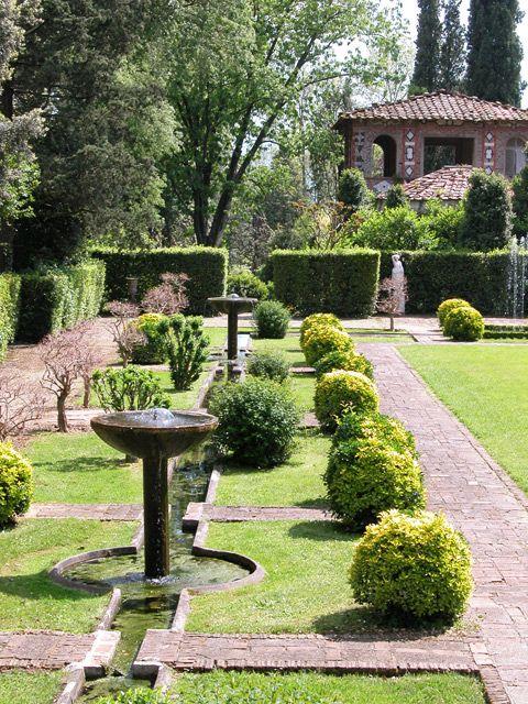 Giardino spagnolo di Villa Reale di Marlia, Toscana, Italy