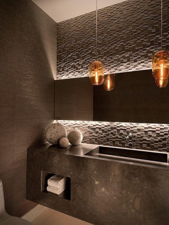 #reforma #baño con lavabo de mármol, paredes color gris con texturas.