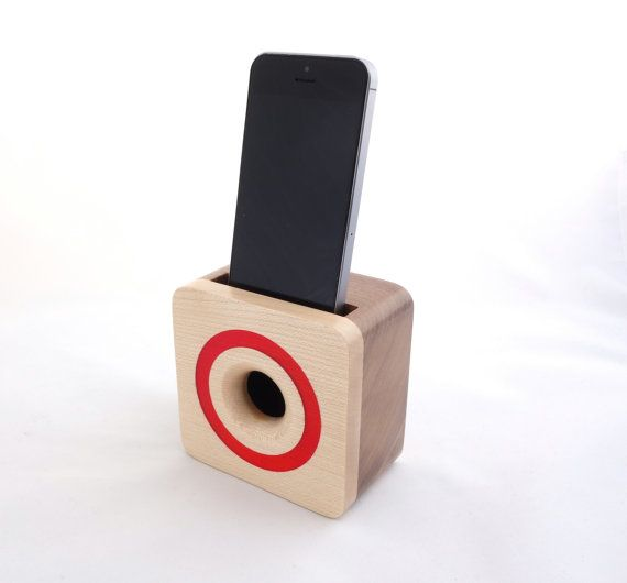 iPhone acoustic speaker box made from walnut wood, Wooden amplifier for iPhone 5 and 6