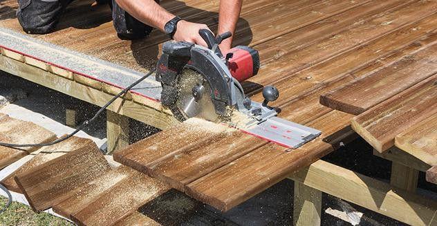 Construire Une Terrasse Avec Des Lames En Pin Sur Plusieurs