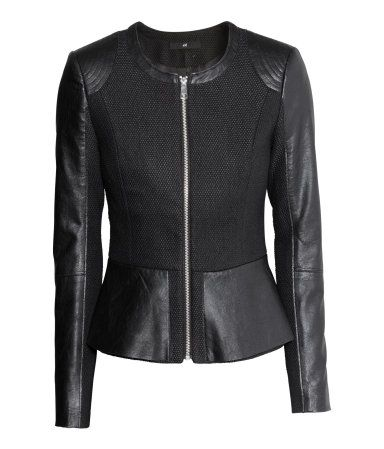 Figure-fit woven jacket with imitation leather sections, a zip at the front, peplum in a double layer and raw-edge hems. Lined. The jacket is partly made from recycled wool. @ H&M