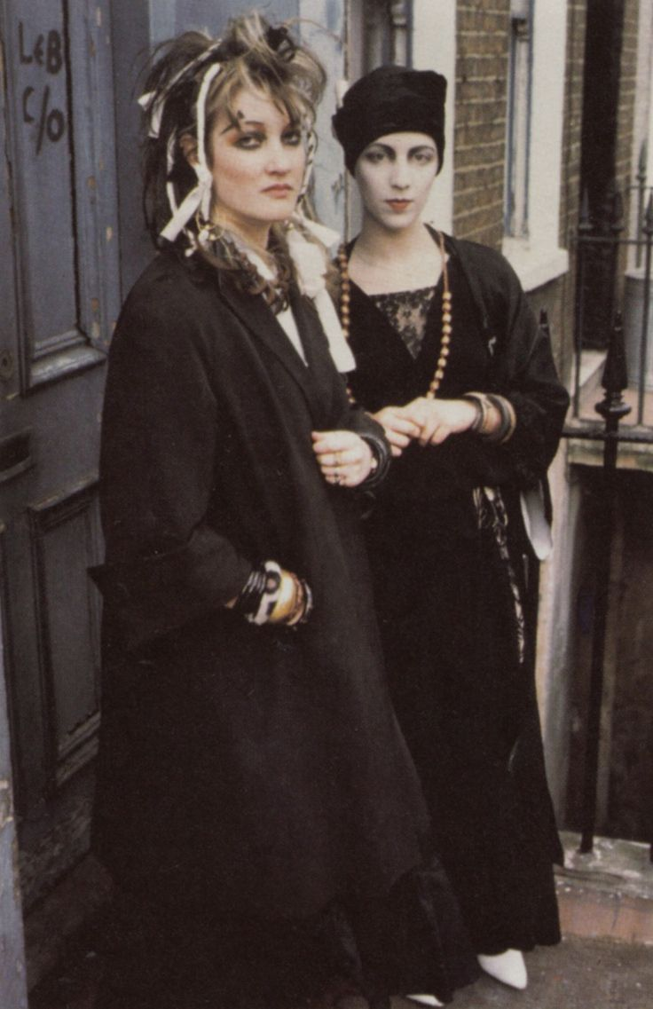 This Pin was discovered by ✘. Discover (and save!) your own Pins on Pinterest. | See more about 80s fashion, punk and londo