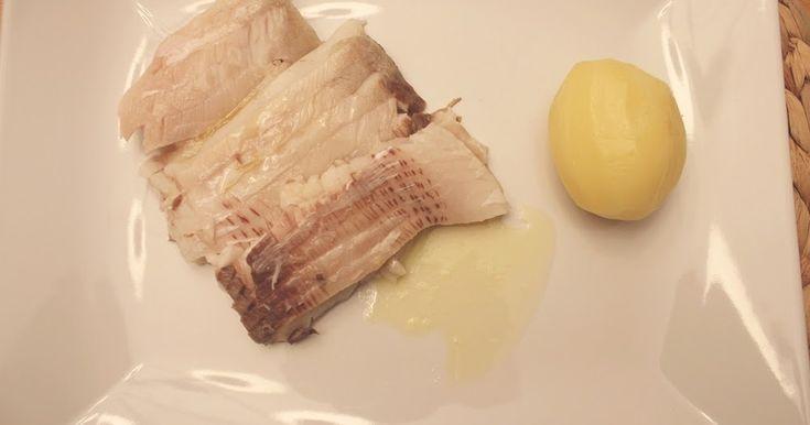 Karpfen, das Fischrezept für Weihnachten und Advent. Karpfen blau in Essigwasser gekocht. Einfach erklärt, lecker und für die ganze Familie. Und hier ist das Rezept http://wolkenfeeskuechenwerkstatt.blogspot.com/2012/02/karpfen-blau.html