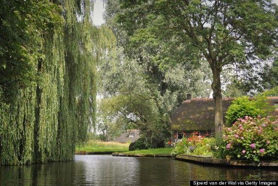 Giethoorn: le village sans route sorti tout droit dun conte de fées (PHOTOS)