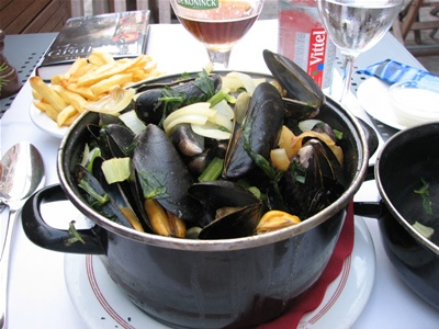 Come and Taste the delicious Belgian Mussels #dolcelahulpe