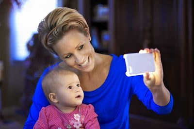 Mama Smith's Review Blog: LuMee - The Case to Light Up Your Selfies!