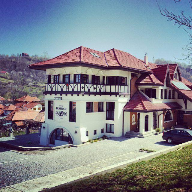 Brătescu Mansion | Architecture | Conacul Bratescu | Conac de munte | Conac din Bran | Transilvania | Bran Castle | Romania | Boutique Hotel | Interior Design | Conac romanesc | Conac de demult | Transylvania | Accommodation | Bran