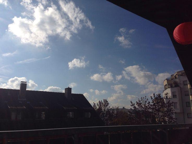 Blauer Himmel und Sonnenschein im November 2014