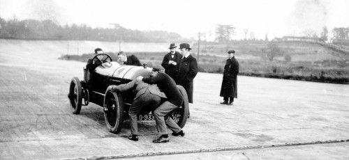 """Vor 100 Jahren: Hornsted fährt Weltrekorde auf """"BlitzenBenz"""""""