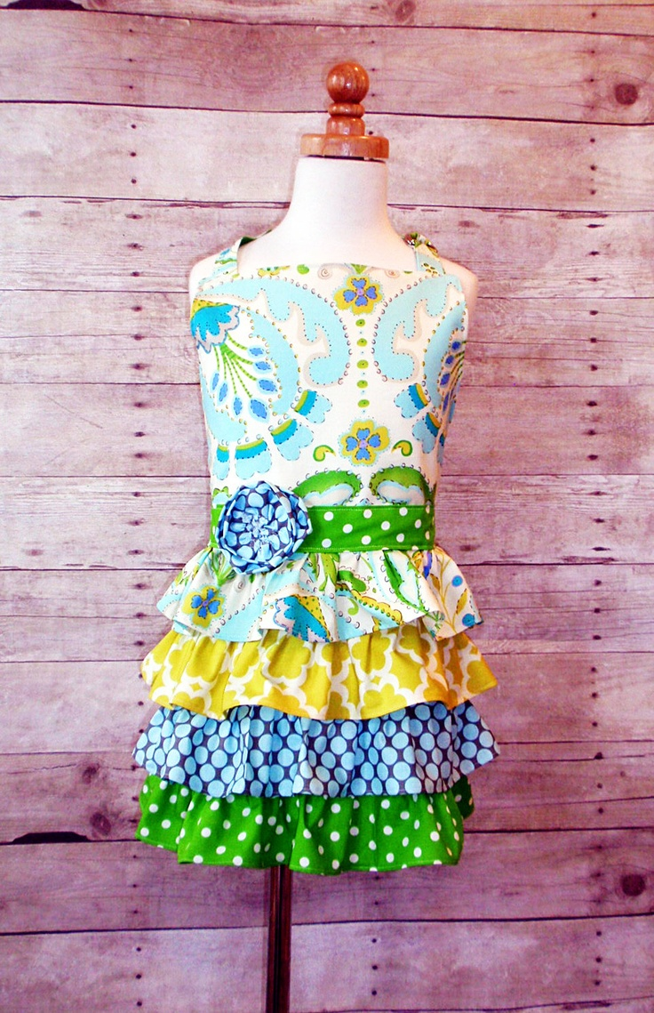 Blue TejaLittle girl full ruffle apron with oven mitt