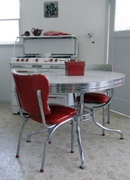 1940's kitchen table; My grandmother had this set!