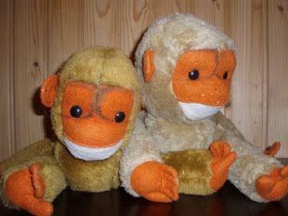 Mulla oli just tollainen apina :) Harmi vaan että annoin koiranpennulle ja se söi apinan korvat.