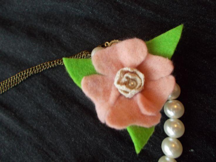 cute flower pin...