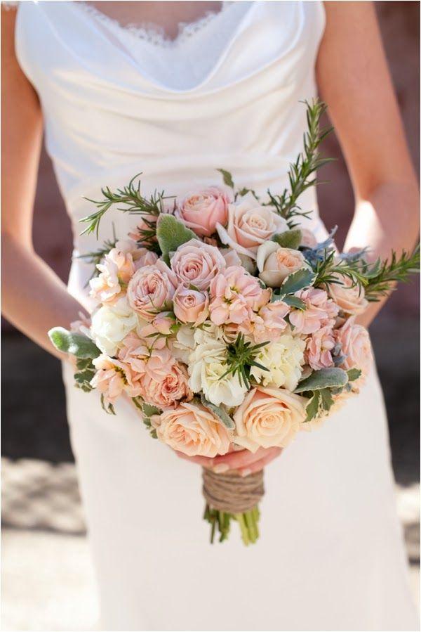 Pink and Gold Wedding Inspiration // see more on lemagnifiqueblog.com