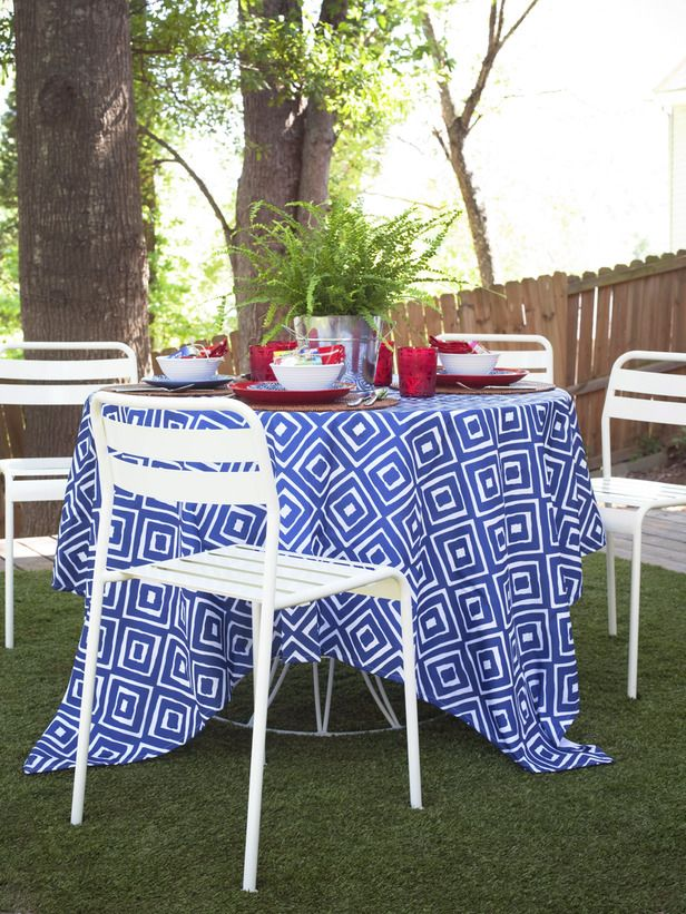 Modern Patriotism -   Who says Fourth of July decorating has to be all stars and stripes? Give your Independence Day decor a modern update by introducing red, white and blue through modern graphic patterns.: Modern Patterns, Modern Graphics, Graphics Prints, July Tablecloths, Gardens Backyard Outdoor, July Ideas, Entertainment Ideas, Covers Ideas, Graphics Patterns