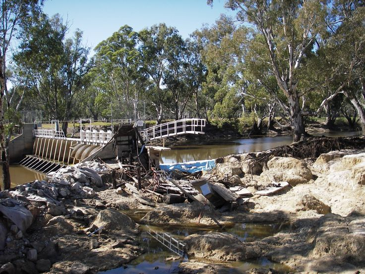 Dimboola's orginal weir on the Wimmera River a timber structure, was built in 1902. In 1975 it was reconstructed. The weir saw a number of floods including the 1981 flood. In the January 2011 floods the weir suffered at the flood peak. A large amount of debris and tree limbs smashed into the weir and a section of the south bank of the river gave way, taking a large portion of the carpark with it.