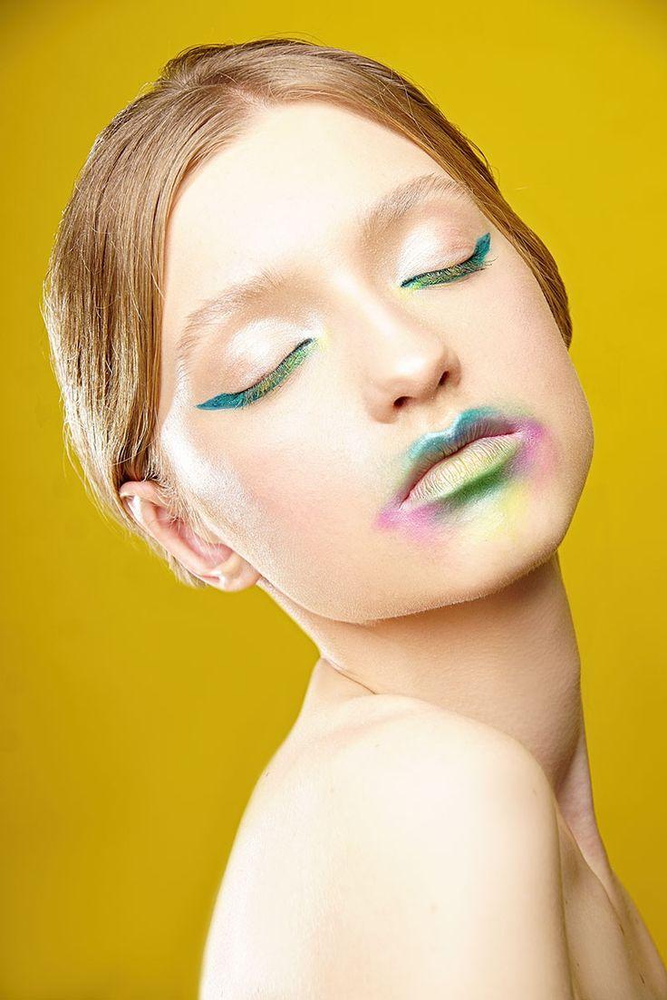 Fashion makeup, glow. Makijaż artystyczny.
