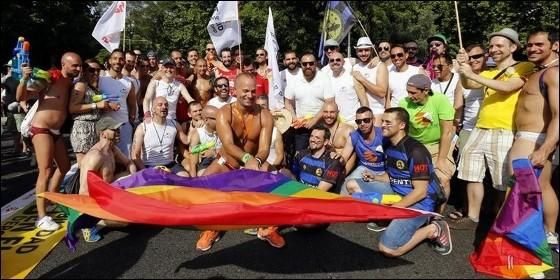 La ciudad de Madrid acoge la mayor manifestación del Orgullo Gay del Planeta Tierra http://cstu.io/a147b1