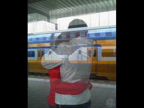 Κάνε κάτι να χάσω το τρένο _ Δημήτρης Μητροπάνος remind me at the train station...