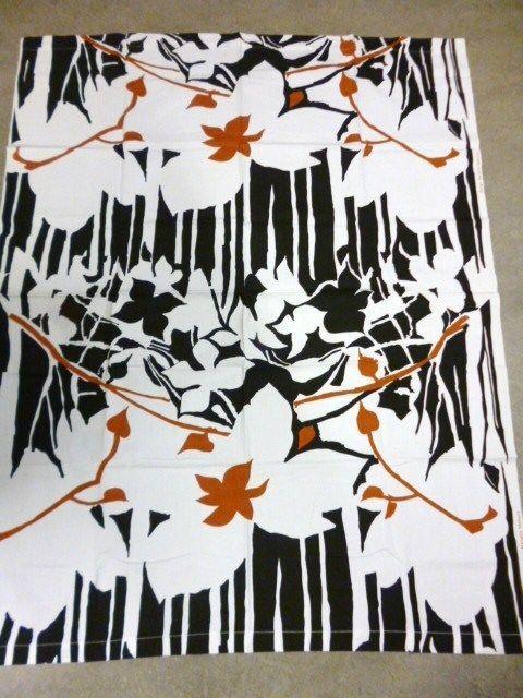 Design Marjatta Metsovaara, Finland Floral Vintage 70's Fabric, Tampella #Tampella #Floral