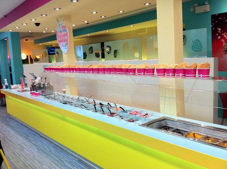 Fresa frozen yogurt shop design