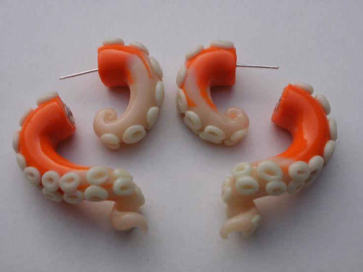 Aretes de tentaculos de pulpo! me encanta me encantaa