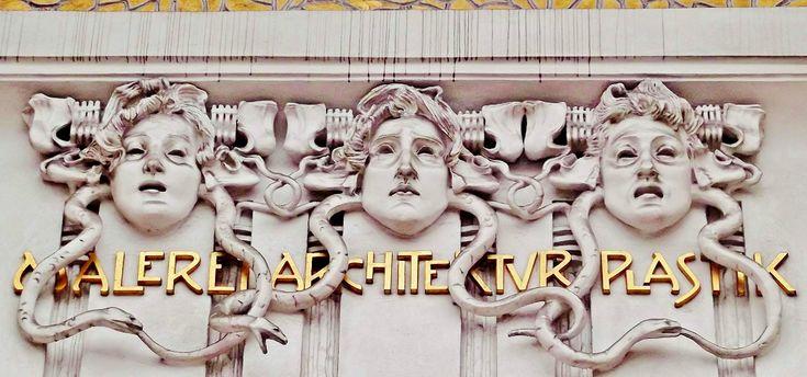 Gorgon Medusa | Yunan Mitolojisi | Okur Yazarım