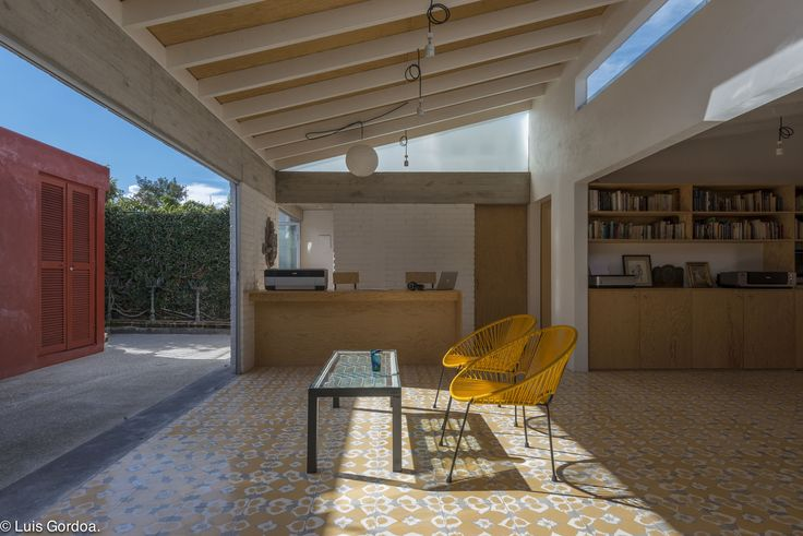 Image 4 of 41 from gallery of Leyva 506 / APT arquitectura para todos. Photograph by Luis Gordoa
