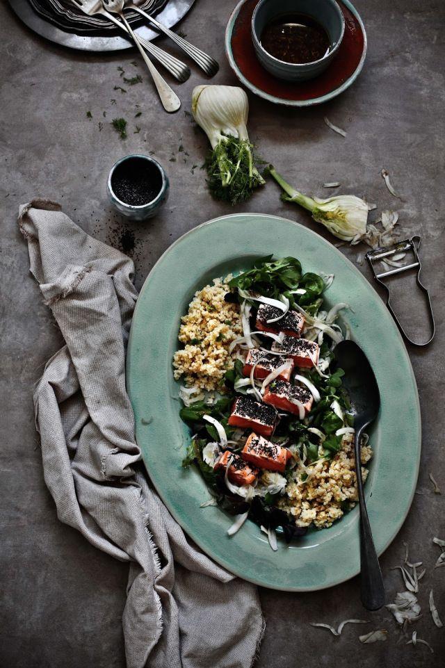 Salada de salmão, millet e funcho com vinagrete de soja e alho # Salmon, millet and fennel salad with soy and garlic vinaigrette – Pratos e Travessas