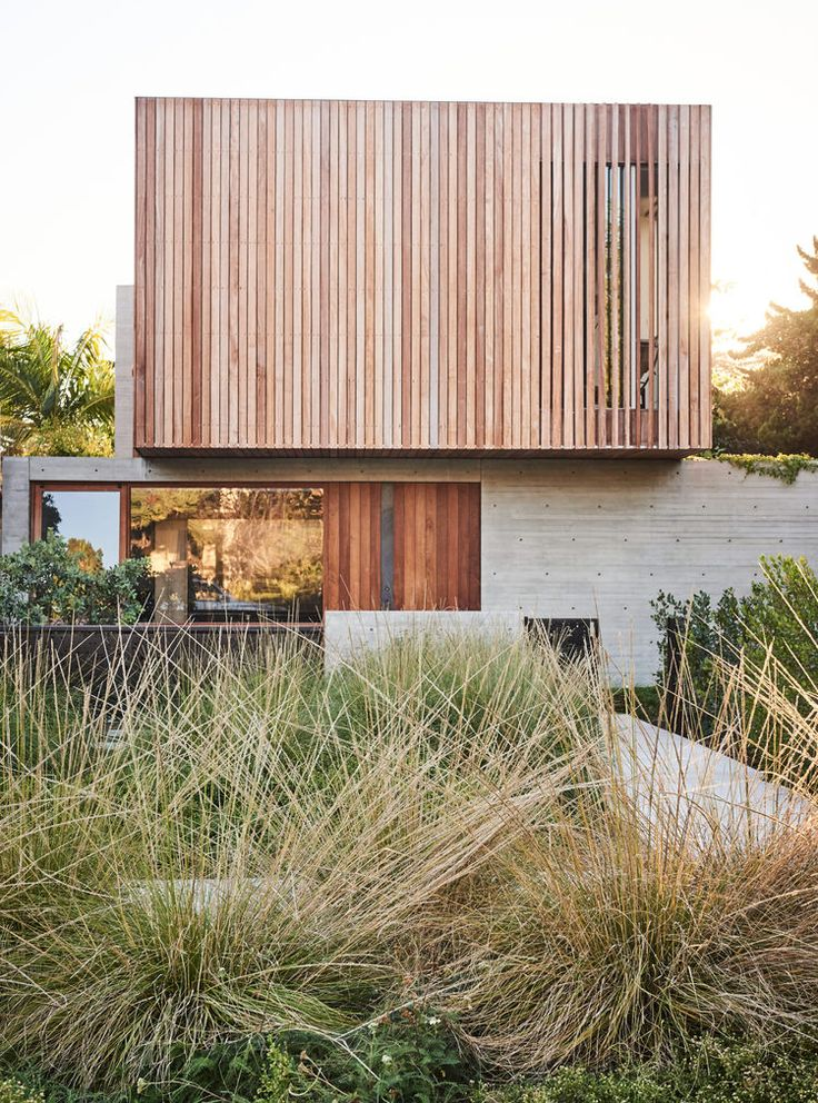 Santa Monica house with a concrete-and-ipe front facade