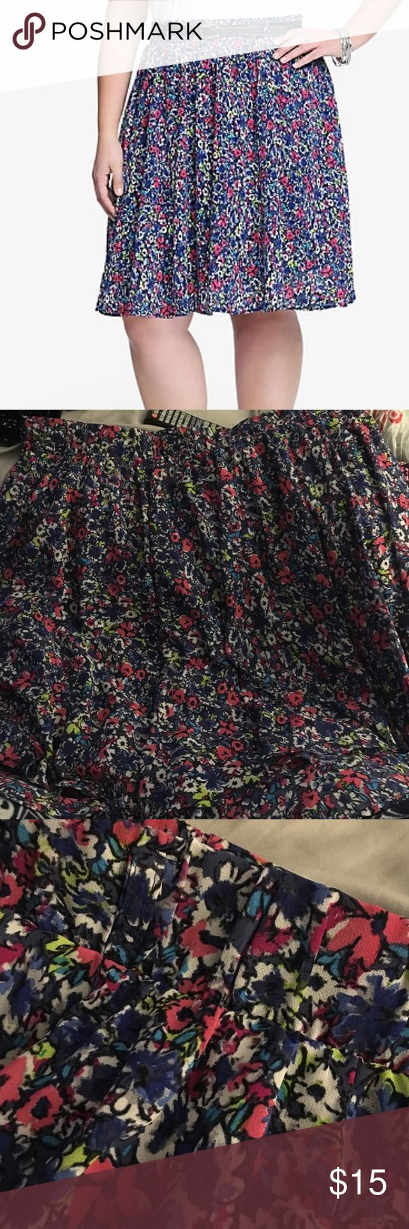 Floral chiffon skater skirt Doesn't come with belt. It is in basically new condition. I enjoyed wearing this without the belt. You can't tell it has loops because of the ruched waist band. torrid Skirts