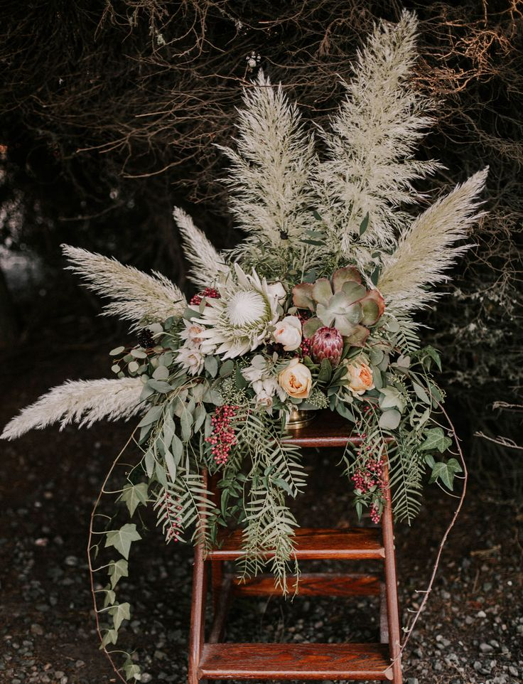rustic + bohemian wedding florals